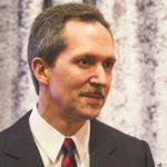 Lawrence E. Kurzius và câu chuyện tìm người kế vị