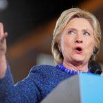 Hillary Clinton chỉ trích giám đốc FBI về vụ điều tra email mới