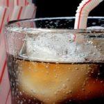 Coca – Pepsi: Dìm nhau trong chai nước ngọt không đường