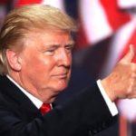 """Chứng khoán toàn cầu """"đỏ lửa"""" vì lo Trump đắc cử"""
