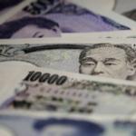 Đồng USD lập đỉnh 8 tháng so với rổ tiền tệ