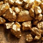 Giá vàng tăng khi USD, chứng khoán đi xuống