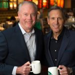"""Kế hoạch """"truyền ngôi"""" của CEO Howard Schultz"""