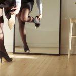 """Một nhân viên nữ tại PwC London bị đuổi việc vì không chịu… đi giày cao gót: Vì sao những điều luật công sở """"ngớ ngẩn"""" vẫn tồn tại?"""