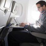 Hành khách hàng không sẽ mất 1 tỷ USD nếu Mỹ mở rộng lệnh cấm laptop
