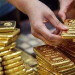 Giới đầu tư ngóng báo cáo việc làm Mỹ, giá vàng để tuột đỉnh 1 tháng