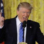 Háo hức gặp Putin, Trump khiến cố vấn lo ngại