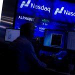 Nasdaq ngừng giao dịch cổ phiếu Trung Quốc tăng giá tới 4.555%