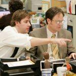 Dù cho đồng nghiệp đáng ghét thế nào, tử tế với họ vẫn sẽ khiến bạn hạnh phúc hơn