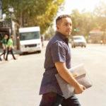 CEO chạy xe ôm, giúp việc để hiểu nhân viên