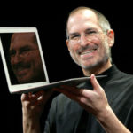 Vào ngày này 10 năm trước, Steve Jobs đã thay đổi tương lai của laptop như thế này đây