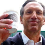 """Câu chuyện về tỷ phú Howard Schultz """"tay trắng làm nên sự nghiệp"""" sẽ truyền cảm hứng sống cho bạn"""