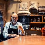 Đại sứ cà phê Starbucks: Đừng để người khác định vị mình!