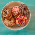 """Chiến dịch 'dắt mũi' khách hàng của Dunkin' Donuts – """"Bơm"""" mùi cà phê lên xe buýt, đem về thêm 29% doanh thu!"""